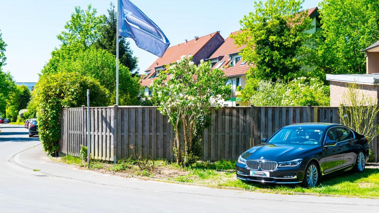 BMW G11 740